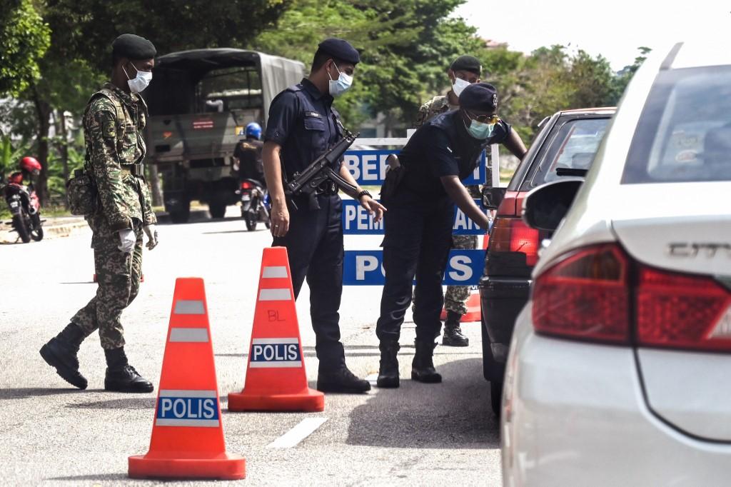 Polis Roadblock